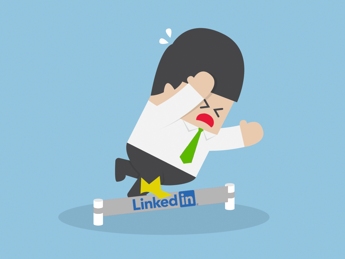 Recruiter tripping over a LinkedIn hurdle (mistakes recruiters make on linkedIn)